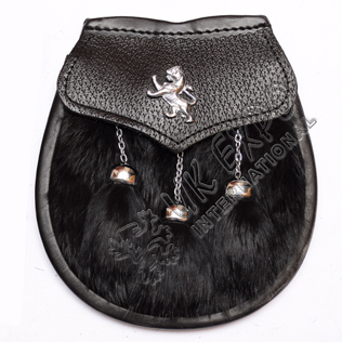 Black rabbit fur with rampart lion badge