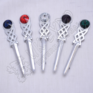Emerald Stone Celtic Kilt Pin with Chrom Finish