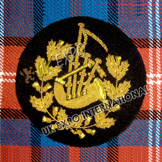 Pipe Major Insignia Black with Gold