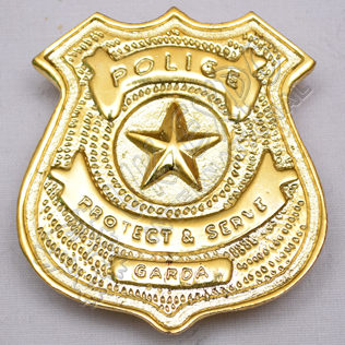Police Protect & serve Garda Brass Polish Metal Badge