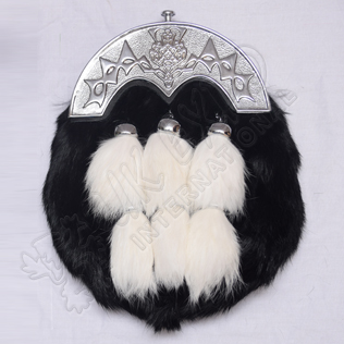 Scottish Flower Cantle Black rabbit furr and 6 White Tessels