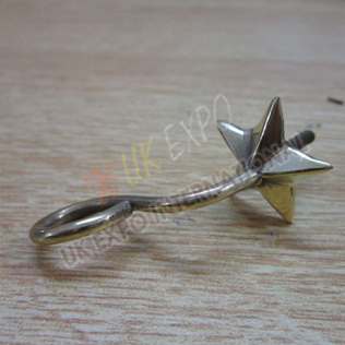 Star hook for shako hat