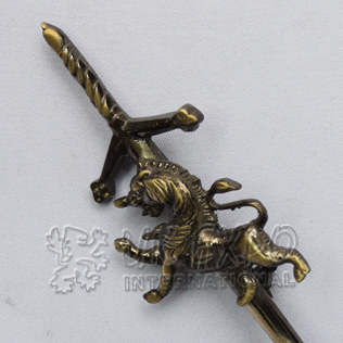 Rampart lion with Scottish sword kilt pin bross antique